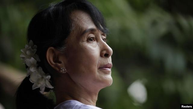 Burma's pro-democracy leader Aung San Suu Kyi in Rangoon, April 2, 2012.