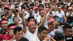 ရန္ကုန္ၿမိဳ႕မွာ ျပဳလုပ္တဲ့ ၂၀၀၈ ဖြဲ႕စည္းပံု အေျခခံ ဥပေဒ ျပင္ဆင္ေရး လူထု ေထာက္ခံပဲြ July 17, 2019. (Photo by Sai Aung MAIN / AFP)
