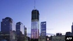 """Nova zgrada Svetskog trgovinskog centra koja se gradi na mestu gde su nekad stajale """"kule bliznakinje"""" srušene u terorističkim napadima pre 10 godina"""