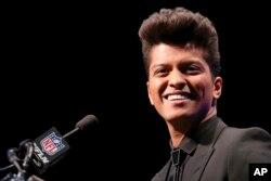 FILE - Bruno Mars.