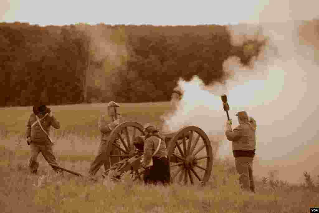 Работает артиллерия конфедератов
