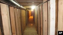 아리조나주 유마 지역에서 발견된 산 루이스 땅굴 내부 사진
