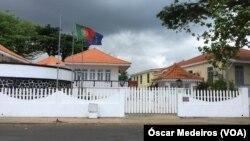 Embaixada de Portugal encerrou a secção consular