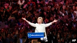 Hillary Clinton celebra vitória em Brooklyn