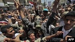 Jemen: Ushtria vazhdon të mbështesë Presidentin Ali Abdullah Saleh