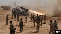 예멘 정부군 병사들이 4일, 남부에서 대대적인 알카에다 소탕 작전을 펼치고 있다.
