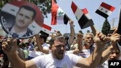 Митинг в поддержку сирийского президента Асада перед российским посольством в Ливане. 19 июня 2011г.