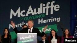 赢得维吉尼亚州长选举的麦考利夫星期二夜晚发表胜选演说。