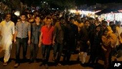 Para aktivis Bangladesh protes atas pembunuhan Faisal Arefin Deepan di Dhaka, Bangladesh (31/10). (AP/A.M. Ahad)