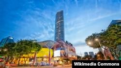 Đại lộ Orchard, Singapore là khu vực mua sắm nổi tiếng với nhiều cửa hàng.