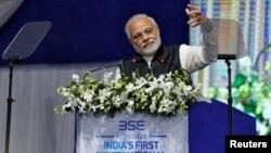Premijer Indije Narendra Modi govori nakon otvaranja prvog međunarodnog ekonomskog samita u Gandinagaru, Indija, 9. januar 2017. (REUTERS/Amit Dave - RTX2Y5RN)