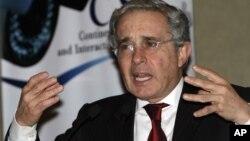 El ex presidente Uribe dijo que Chávez quiere tapar el asesinato de 19.000 venezolanos a año