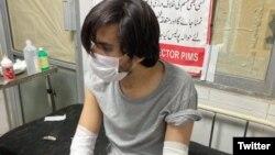 اسد علی طور کو منگل کی شب نامعلوم افراد نے تشدد کا نشانہ بنایا تھا۔