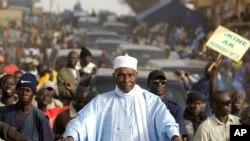 Abdoulaye Wade en campagne dans la banlieue de Dakar, le 22 février 2012