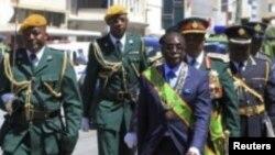 VaRobert Mugabe .