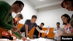 Prebrojavanje glasova u Zenici, 12. oktobra 2014.