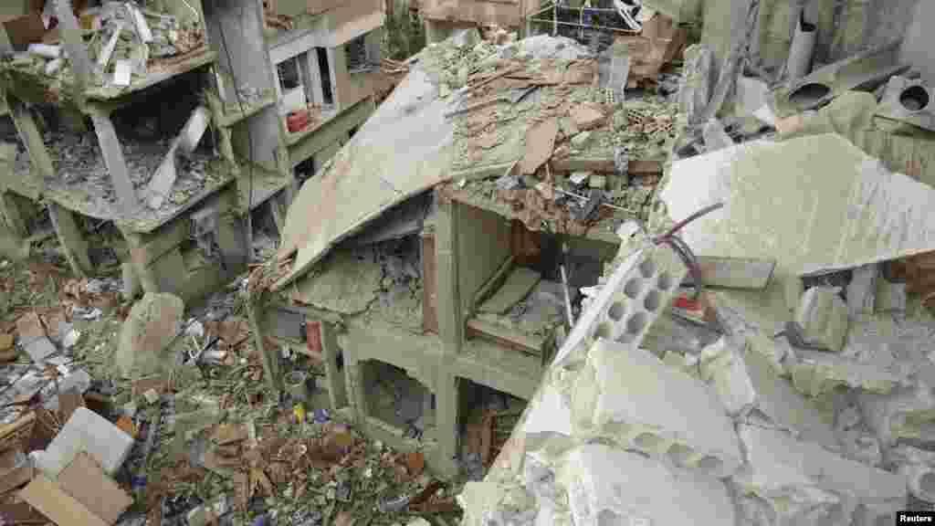 بمباری سے تباہ شدہ عمارتیں
