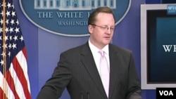 Juru Bicara Gedung Putih Robert Gibbs.