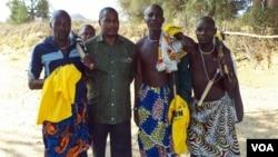 Novos aderentes da CASA CE no namibe com Abel Chivukuvuku