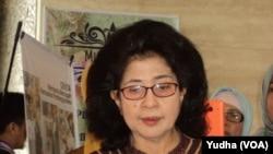 Menteri Kesehatan Nila Djuwita Moeloek, saat menghadiri Kongres Nasional PERHATI-KL di Solo, 25 Agustus 2016 (Foto: VOA/Yudha)