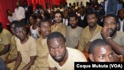 Activistas no Tribunal Provincial de Luanda