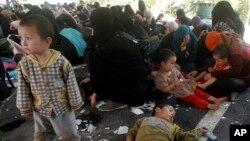 Người tị nạn người Turk bị giữ trong một đồn điền cao su trong quận Hat Yai, tỉnh Songkhla, miền nam Thái Lan 13/3/14