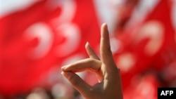 MHP: 'Seçmen Oynanan Oyunun Farkında'