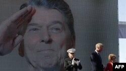 Qyteti i lindjes së Ronald Reganit feston 100 vjetorin e tij