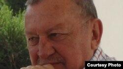 """""""Guerra Fria é a grande culpada pela guerra civil em Angola"""", Brigadeiro Correia de Barros"""