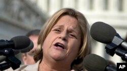 La congresista republicana se opone a las políticas del gobierno del presidente Barack Obama sobre Cuba.