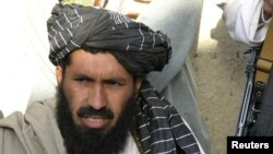 Komandan militan tertinggi di Waziristan Selatan, Maulvi Nazir alias Mullah Nazir (Foto: dok). Para pejabat keamanan Pakistan melaporkan serangan pesawat tak berawak Amerika Rabu malam (2/1) telah menewaskan sedikitnya delapan orang militan, termasuk Nazir.