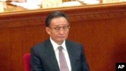 인민대표대회에 참석중인 우방궈 위원장