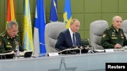 Владимир Путин контролирует ход ракетных учений «Гром-2019», Москва, 17 октября 2019 года