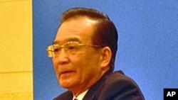 """多次提政改的中国总理温家宝在""""两会""""后举行记者会"""