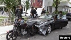 Mobil Ferrari yang menabrak polisi ditemukan di rumah pendiri perusahaan Red Bull, Chaleo Yoovidhaya di Bangkok. (Foto: Reuters)