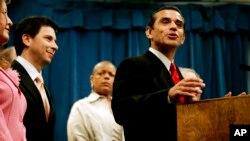 El nuevo alcalde de Los Angeles para reemplazar a Antonio Villaraigosa se definirá el próximo 21 de mayo.