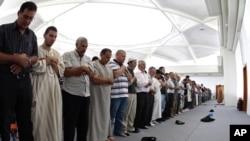 تصویب قانون منع جوانان از نماز خواندن در مسجد در تاجکستان