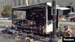 El incendio de este camión con productos para turistas, en la capital de EE.UU., provocó alarma en la Casa Blanca.