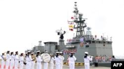 22일 중국-동남아시아국가연합 합동 군사훈련에 참가하기 위해 태국 해군함이 중국 잔장 군항에 들어서고 있다.
