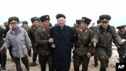 Ông Kim Jong-un đã thay Bộ trưởng Quốc phòng Bắc Triều Tiên Kim Kyok Sik bằng một tướng lãnh quân đội ít được biết tiếng.