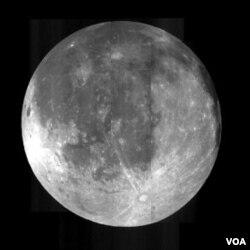 Melihat bulan merupakan metode konvensional dalam menentukan jatuhnya Idul Fitri.