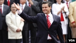 El exgobernador del Estado de México supera claramente a sus contendores.