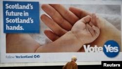 蘇格蘭呼籲獨立公投的廣告版。(09-15-2014)