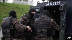 Các thành viên của lực lượng an ninh đặc biệt của Thổ Nhĩ Kỳ tại Istanbul.