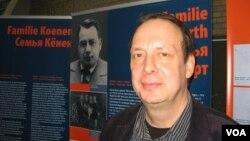 Сотрудник Музея немецкого сопротивления Андреас Хербст