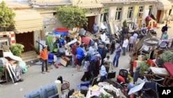 开罗民众自发组织卫队防备抢劫