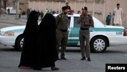 وزارت کشور عربستان گفته است سه خودروی پلیس در انفجار بمب آسیب دید - عکس آرشیو