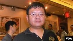 全球防卫杂志主任 施孝玮(美国之音 郑裕文拍摄)