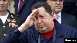 Уго Чавес впервые за несколько месяцев появился перед камерами