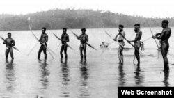 بھارت کے دور افتادہ جزیرے شمالی سنٹنل کے قبائلی، سن 1909 کی ایک یادگار تصویر